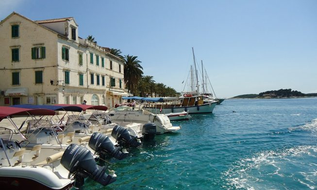 Guide to the city of Hvar